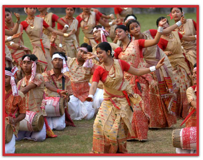 the folk dance essay Essay on folk traditions of india folk music is defined as the music of the people it is characterised by simple beautiful melodies and rhythms that generally are concerned with the themes of nature, love, familial relations and religious and cultural festivities and customs.